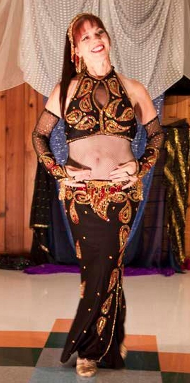 Pop belly                     dance solo in Richmond Va